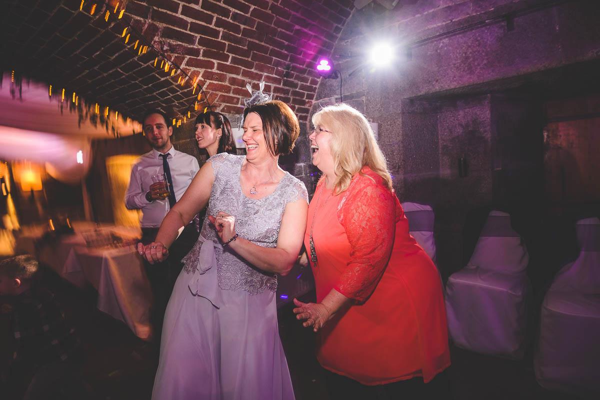 DL_polhawnfort_wedding_blog_68